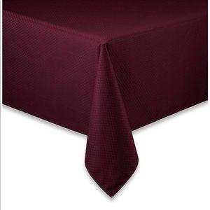 """McKenna Microfiber Tablecloth 90"""" Round"""